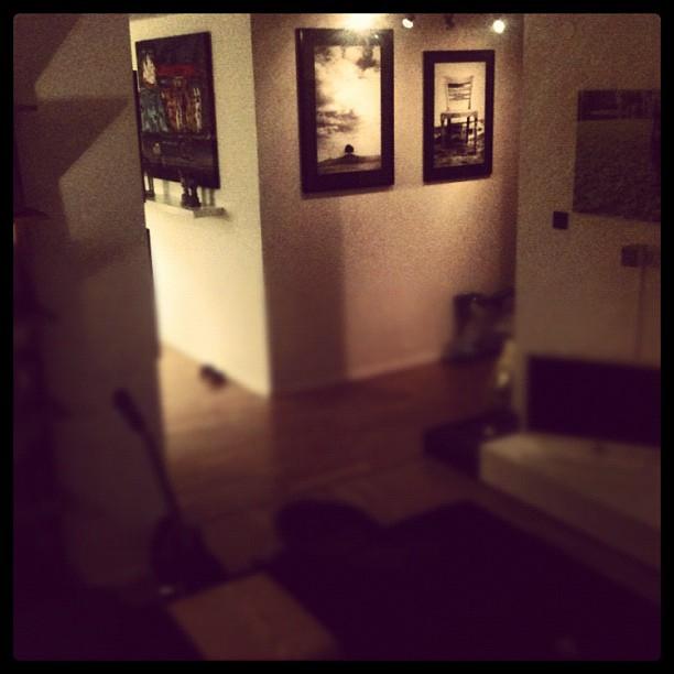 Nya tavlor i hallen från beccasin.se